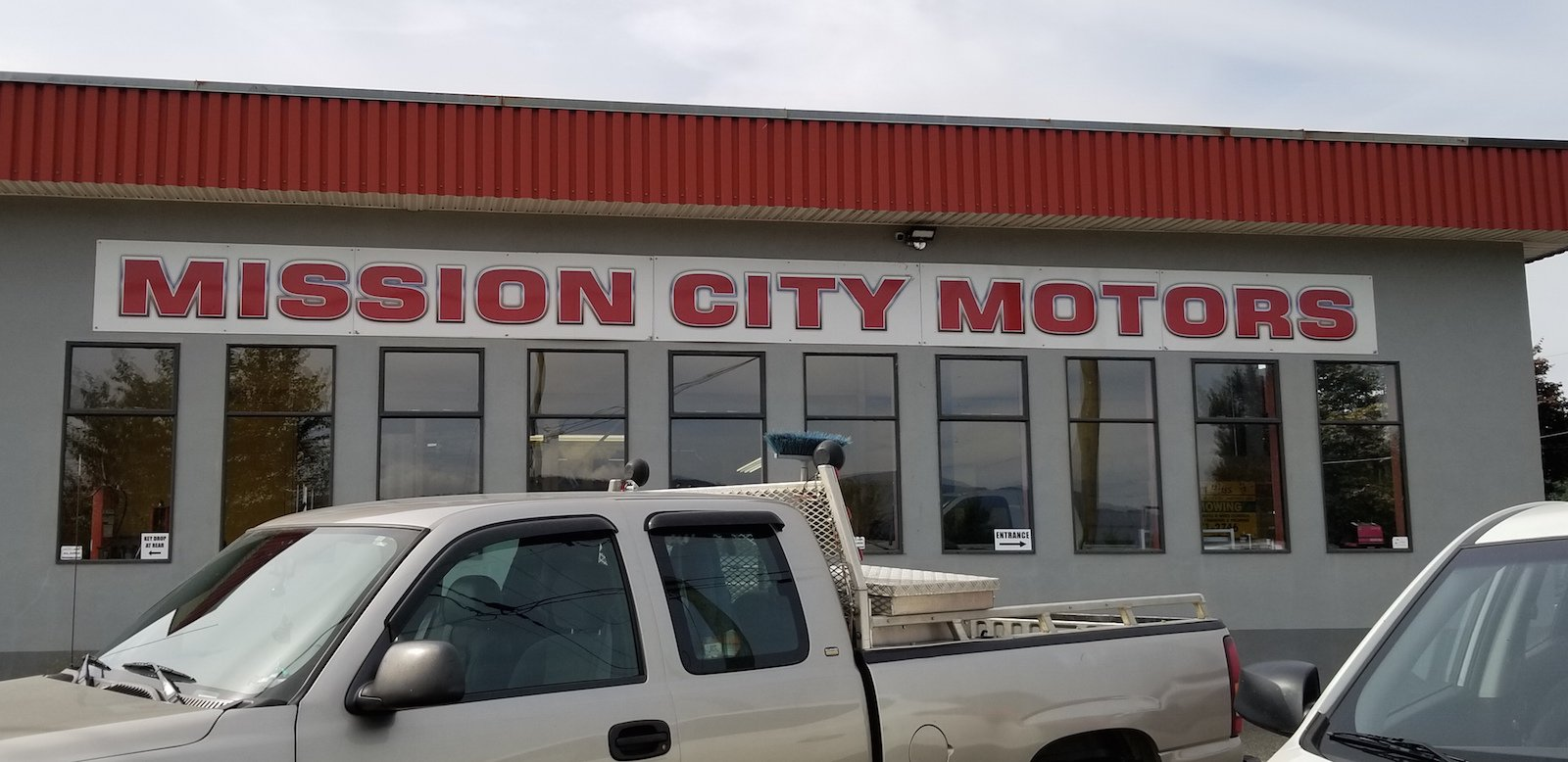 Front of Mission City Motors